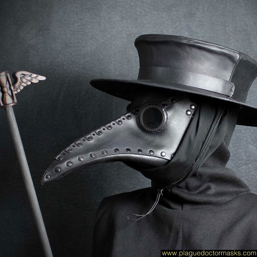 Comment se distraire par temps de confinement(presque) total - Page 12 Plague-doctor-masks-for-sale-4